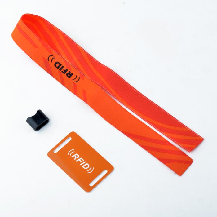тканевый браслет с чипом